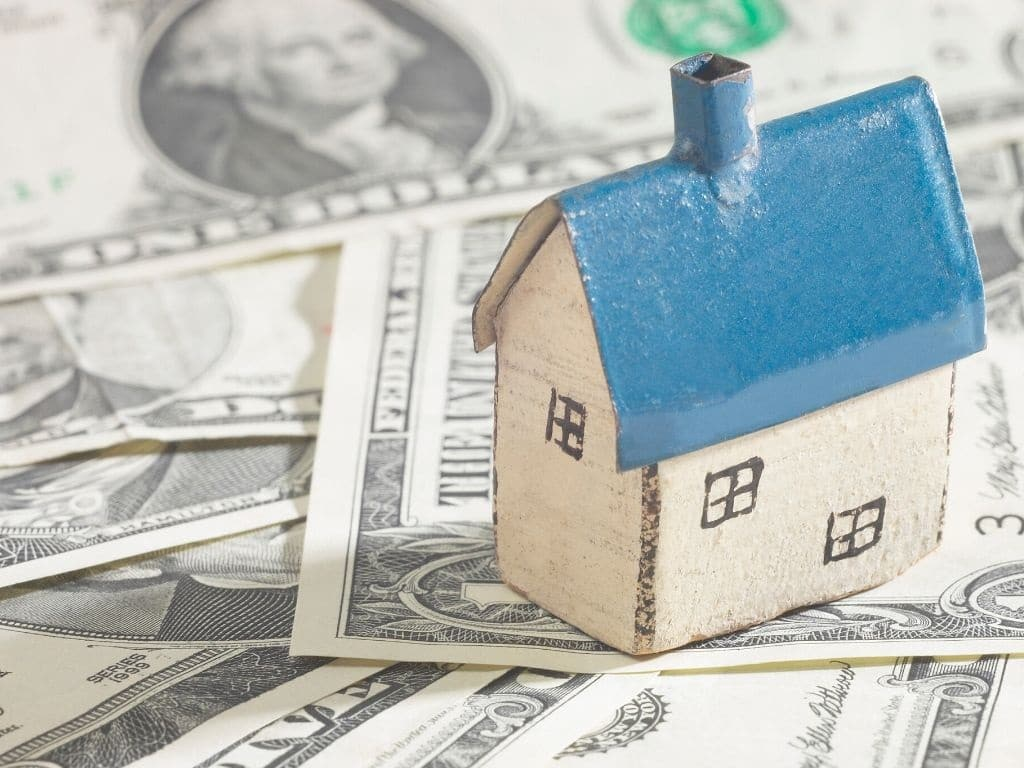 ahorrar facturas del hogar- gasto luz agua- coronavirus